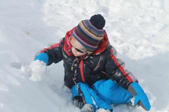 Pietro sulla neve